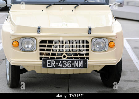 Nice, France - May 21, 2019: Vintage Beige Citroen Mehari (Front View) French Car Parked In A Parking Lot In Nice On The French Riviera - Close Up Vie - Stock Image