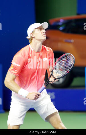 Pune, India. 2nd January 2019. Kevin Anderson of South Africa in action in the second round of singles competition at Tata Open Maharashtra ATP Tennis tournament in Pune, India. Credit: Karunesh Johri/Alamy Live News - Stock Image