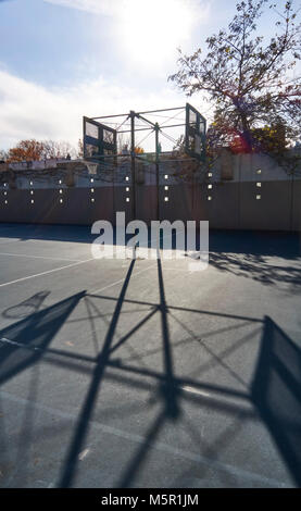 Basketball court at the Hunters Point Community park in Long Island City - Stock Image