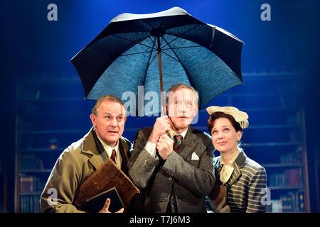 Left to right: Hugh Bonneville as C.S. Lewis, Andrew Havill as Warnie, Liz White as Joy Gresham in Shadowlands by William Nicholson, Chichester Theatre. - Stock Image