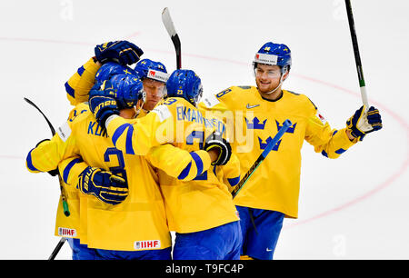 Bratislava, Slovakia. 18th May, 2019. Hockey players of Sweden celebrate a goal during the match Sweden against Switzerland within the 2019 IIHF World Championship in Bratislava, Slovakia, on May 18, 2019. Credit: Vit Simanek/CTK Photo/Alamy Live News - Stock Image