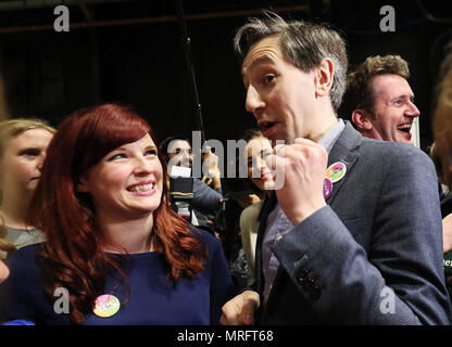 Minister for Health Simon Harris celebrates on arrival at the count centre in Dublin's RDS as votes are counted in the referendum on the 8th Amendment of the Irish Constitution which prohibits abortions unless a mother's life is in danger. Picture date: Saturday May 26, 2018. See PA story IRISH Abortion. Photo credit should read: Brian Lawless/PA Wire - Stock Image