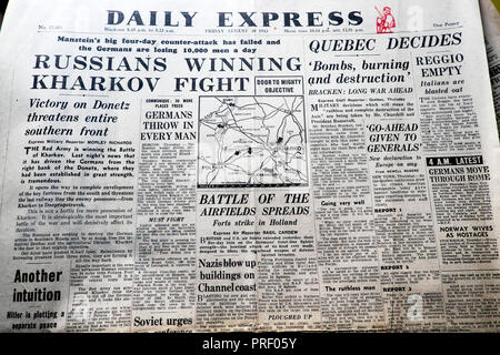 'Russians Winning Kharkov Fight'  front page headlines of the Daily Express newspaper August 20 1943 London UK - Stock Image
