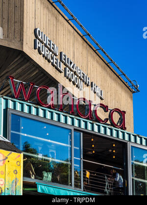 Wahaca Restaurant London Southbank - Wahaca Mexican food market restaurant in front of the London Queen Elizabeth Hall Concert Venue - Stock Image