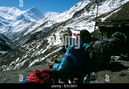 PICTURES CREDIT DOUG BLANE Trekking around the Annapurna circuit in Himalayan Kingdom of Nepal Nepalese Himalayas - Stock Image