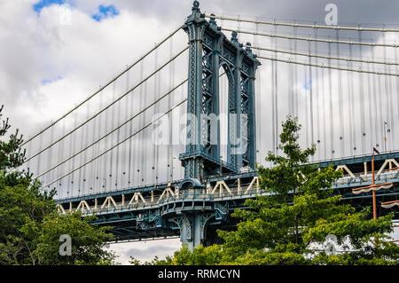 Manhattan Bridge in the district of Brooklyn, New York, USA - Stock Image