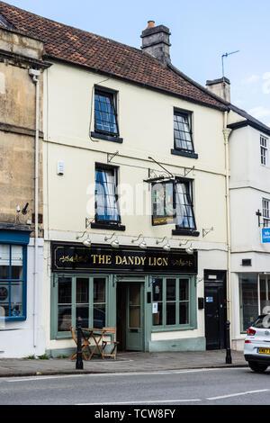 The Dandy Lion public house in an 18th century 3 storey building on Market street Bradford on Avon - Stock Image