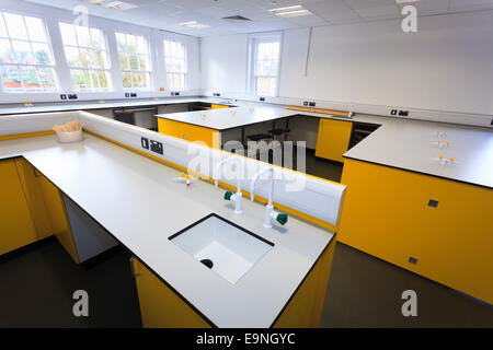 Unoccupied Science classroom at Isle of Wight Studio School - Stock Image