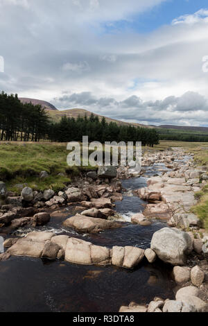 Allt Darrarie tributary before it joins with the River Muick, Balmoral Estate, Aberdeenshire, Scotland, UK. - Stock Image