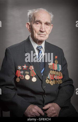 portrait of a war veteran, elderly people who have passed the second world war, the terrible experience, years of - Stock Image
