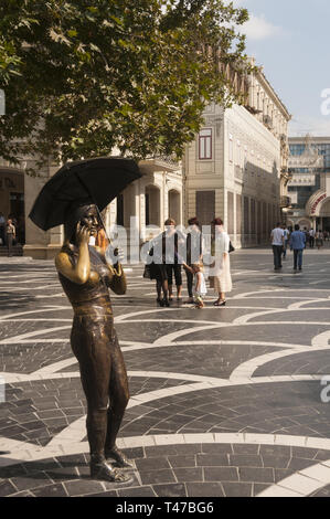 Azerbaijan, Baku, Fountains Square, with statue - Stock Image