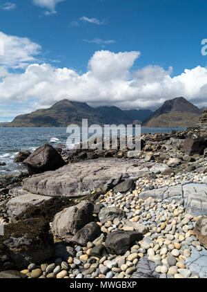 Rocky Glen Scaladal Bay beach (Cladach a Ghlinne) near Elgol with Loch Scavaig and Black Cuillin Mountains on the Isle of Skye, Scotland, UK - Stock Image