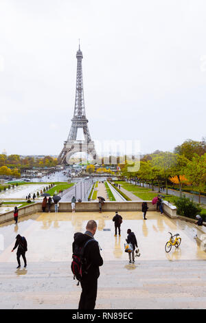 PARIS, FRANCE - NOVEMBER 11, 2018 - Eiffel Tower seen from the garden of Trocadéro on the Right Bank of the Seine - Stock Image