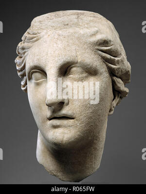 6378. Marble head of Athena, Helenistic period c. 200 BC. Greece - Stock Image