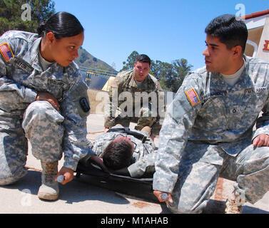 Cal Guard Army combat medics from across the state participated in a 68W sustainment course on Camp San Luis Obispo, - Stock Image