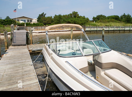 boat, pier, private, house, boating, fun, enjoyment, fishing, pleasure, - Stock Image