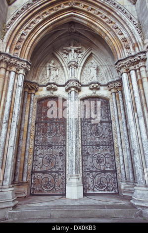 Large double arch doorway to Norwich Roman Catholic Cathedral - Stock Image