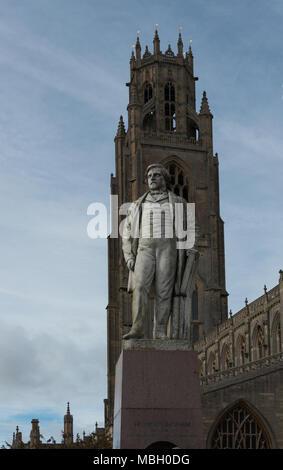 Saint Botolph's Church and Statue of Herbert Ingram, Boston, England - Stock Image