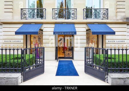 PARIS, FRANCE - JULY 22, 2017: Ralph Lauren fashion luxury store in avenue Montaigne in Paris, France. - Stock Image