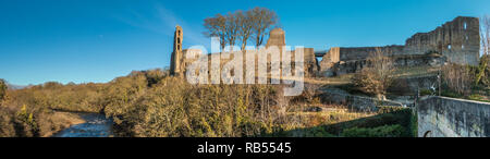 Panoramic view of the Grade 1 listed remains of the 12th century Barnard Castle in the town of Barnard Castle, Teesdale, County Durham, UK - Stock Image