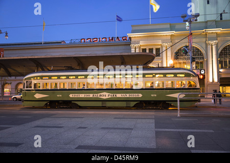 Historic Streetcar, F Market & Wharves line, in front of the Ferry Building, San Francisco, California, USA - Stock Image