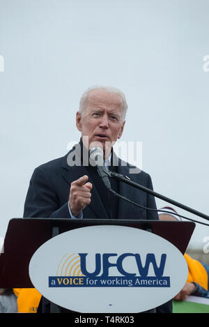Dorchester, Massachusetts, USA. 18th April, 2019.  Former U.S. vice president and possible 2020 Democratic presidential candidate, Joe Biden, speaking to over 1,000 striking grocery store workers. Credit: Chuck Nacke/Alamy Live News - Stock Image