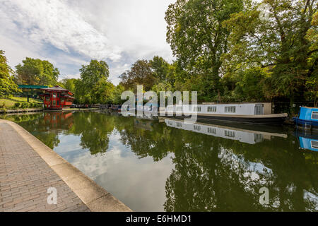 houseboats on the Regent Canal, London - Stock Image