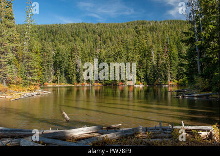 Jude Lake, along the Pacific Crest Trail in the Warm Springs Indian Reservation in Oregon. - Stock Image