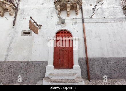 Peschici (Puglia, Italy) - View of the little picturesque village in south Italy with its colored doors - Stock Image