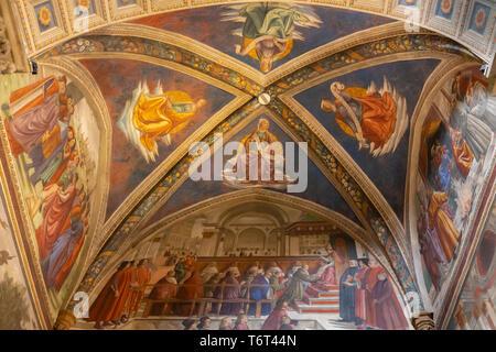 Francis Receiving the Order from Pope Honorius, Frescoes on the Life of St Francis, by Domenico Ghirlandaio, Sassetti Chapel, Chiesa di Santa Trinita  - Stock Image