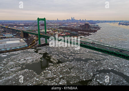 Aerial View Frozen Delaware River in Philadelphia - Stock Image