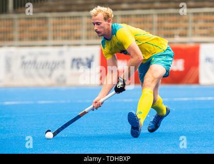 Krefeld, Germany, June 16 2019, hockey, men, FIH Pro League, Germany vs. Australia:  Aran Zalewski (Australia) controls the ball.  Credit: Juergen Schwarz/Alamy Live News - Stock Image