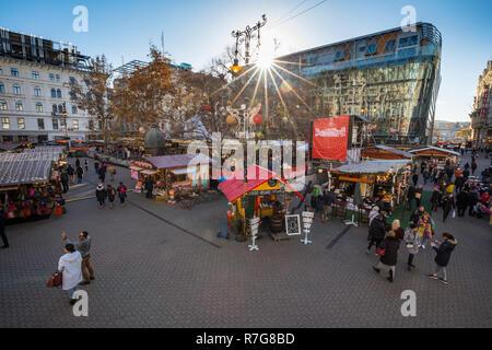 Budapest Christmas Fair and Winter Festival at Vörösmarty tér - Stock Image
