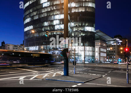 Rush hour in the evening in the center of Düsseldorf - Stock Image