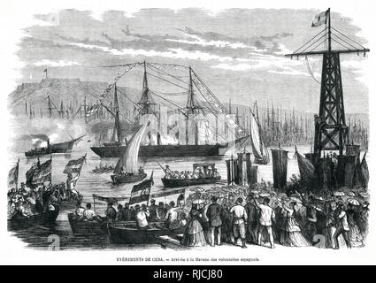Arrival of Spanish volunteers at Havana to fight in the Ten Years War. Small boats carrying soldiers and bearing Spanish flags row towards the dock, where a crowd of townspeople stand pointing and watching. Cuba had wanted representation in Spanish government, and a stricter enforcement of the Slave Trade ban, and rebelled against an increasingly militant Spanish government. It ended in a Spanish victory in 1878, but many who fought would go on to fight in the more successful Cuban War of Independence in 1895. - Stock Image