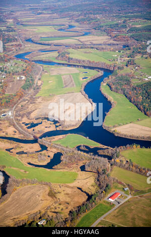 The Connecticut River as it flows between Bradford, Vermont and Piermont, New Hampshrie. Aerial. - Stock Image