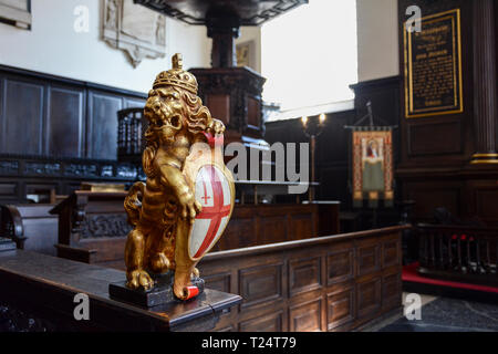 Lion carved by William Emmett in St Mary Abchurch, Abchurch Lane, London, EC4, UK - Stock Image