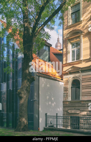 Yard in the historic old town of Riga - Stock Image