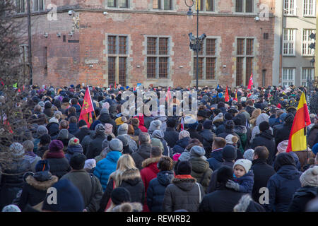 Crowds of people mourning mayor of the city Pawel Adamowicz during his funeral ceremony - Stock Image