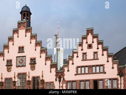 Traditional exterior of Romer Old Town City Hall architecture alongside modern buildings, Frankfurt am Main, Hesse, Darmstadt, Germany. - Stock Image