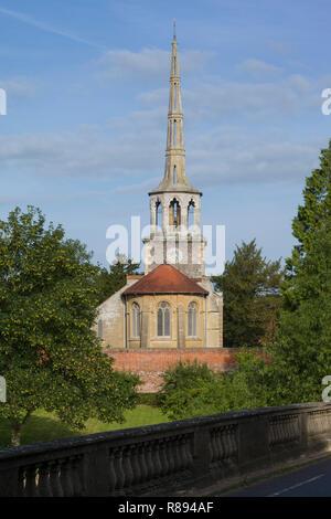 St. Pater's Parish Church at Wallingford-on-Thames by Wallingford Bridge - Stock Image