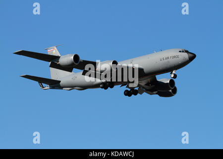 US Air Force KC-135 Stratotanker aerial refuelling aircraft on approach - Stock Image