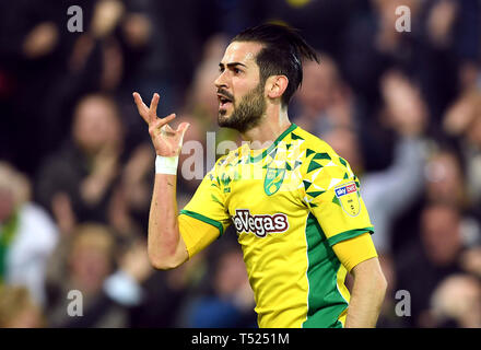 Norwich City's Mario Vrancic celebrates scoring his side's second goal of the game during the Sky Bet Championship match at Carrow Road, Norwich. - Stock Image