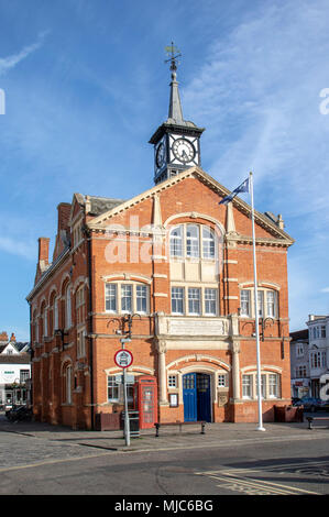 Thame Town Hall building  in the centre of Thame in Oxfordshire - Stock Image
