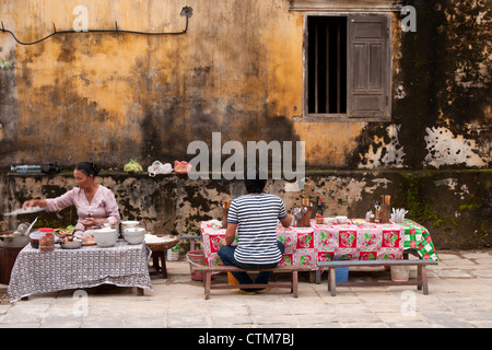 Noodle stall street food in Hoi An, Viet Nam - Stock Image