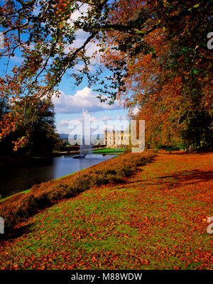 Chatsworth House in autumn, Bakewell, Derbyshire, England, UK - Stock Image