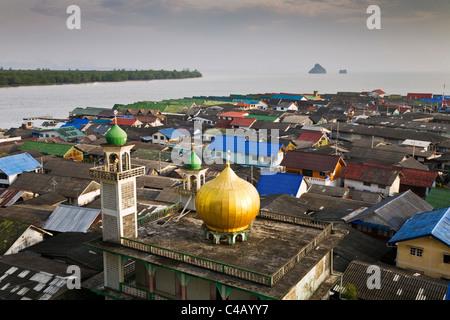 Thailand, Phang-Nga, Ko Panyi.  View across the Muslim fishing village of Ko Panyi. - Stock Image