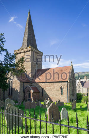 St Edmund's Church, Crickhowell, Powys, Wales, UK, a Grade II* listed 14th century Church in Wales place of Christian worship. - Stock Image