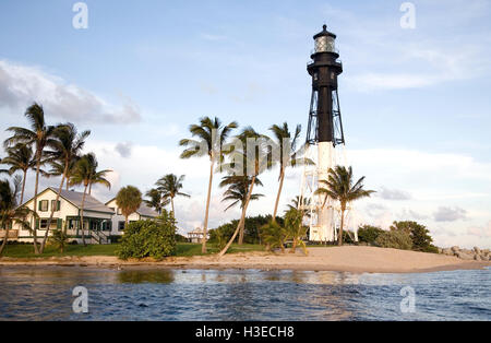 The skeletal tower of Hillsboro Light sits on the north side of the inlet & displays its post Wilma repaired - Stock Image