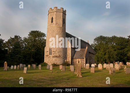 St Peter & Paul thatched church with its round tower with square interior, Mautby, Norfolk, East Anglia, England - Stock Image